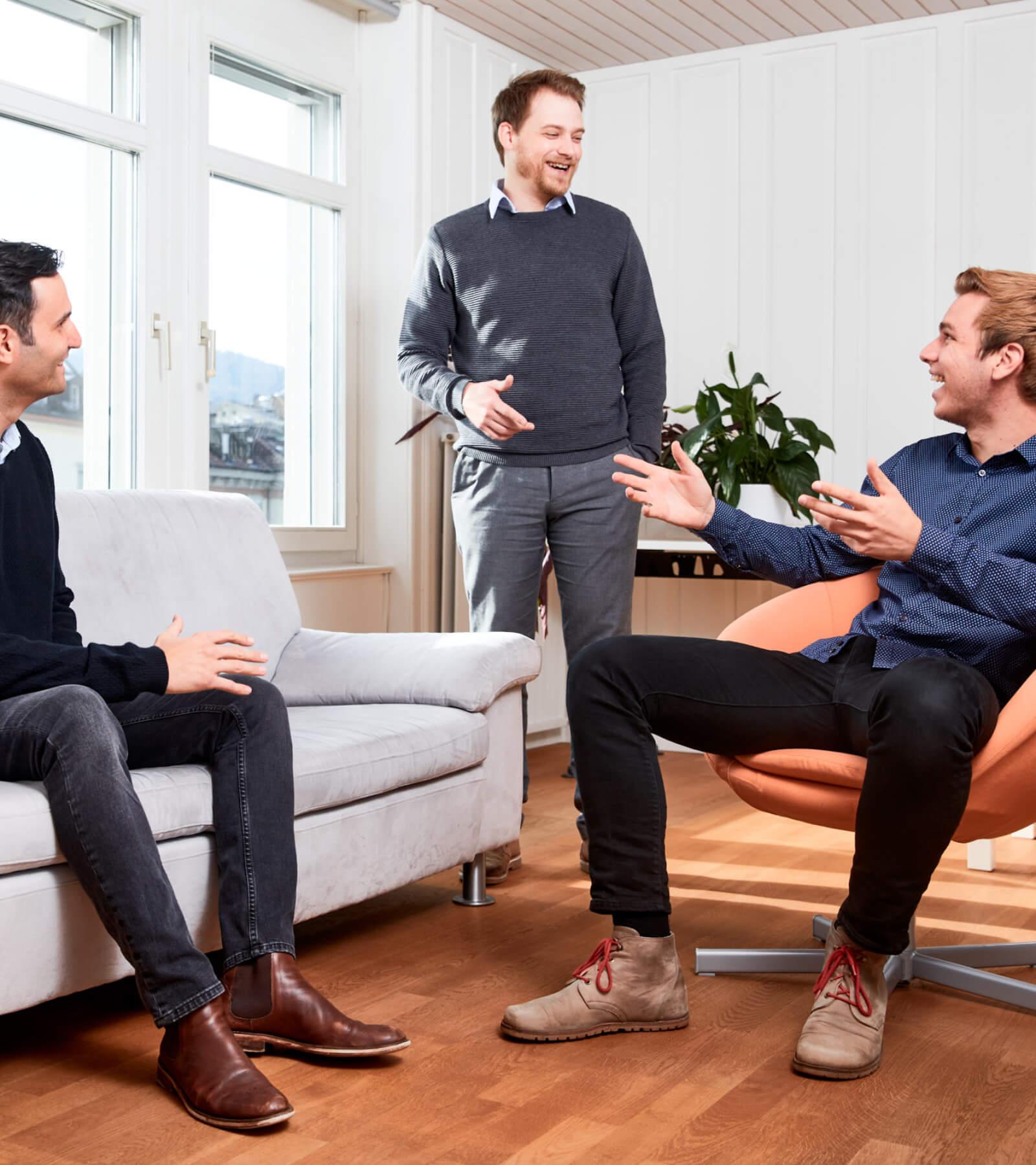 sales-team-meeting-in-office-eturnity